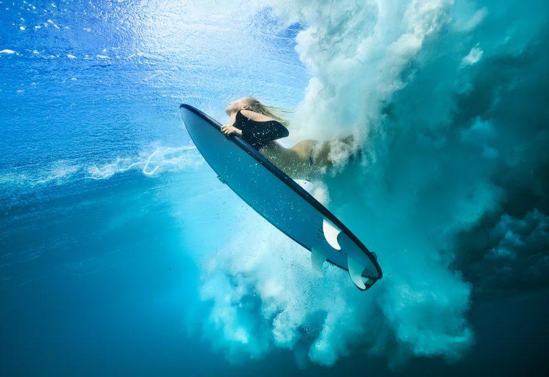 Bico de Pato: atravesse por debaixo de uma onda de forma eficaz | Foto: Shutterstock