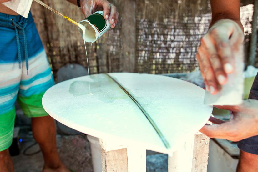 Prancha de Surf: saiba com corrigir pequenas fissuras | Foto: Shutterstock