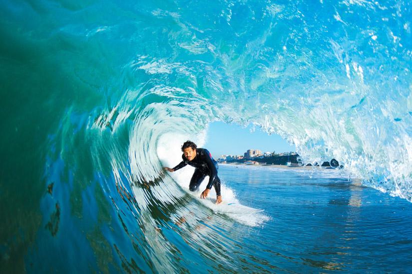 Surf: o desporto de deslizar sobre as ondas | Foto: Shutterstock