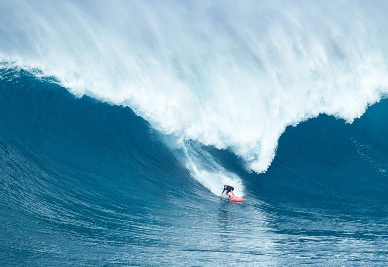 Surfista de ondas gigantes: saiba o que fazer e não fazer num cenário como este | Foto: Shutterstock